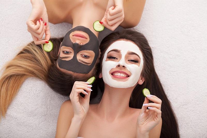 Dlaczego warto stosować domowe maski na twarz?