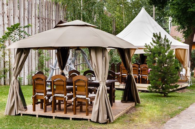 Namiot ogrodowy – pomagamy wybrać model najlepszy dla Ciebie
