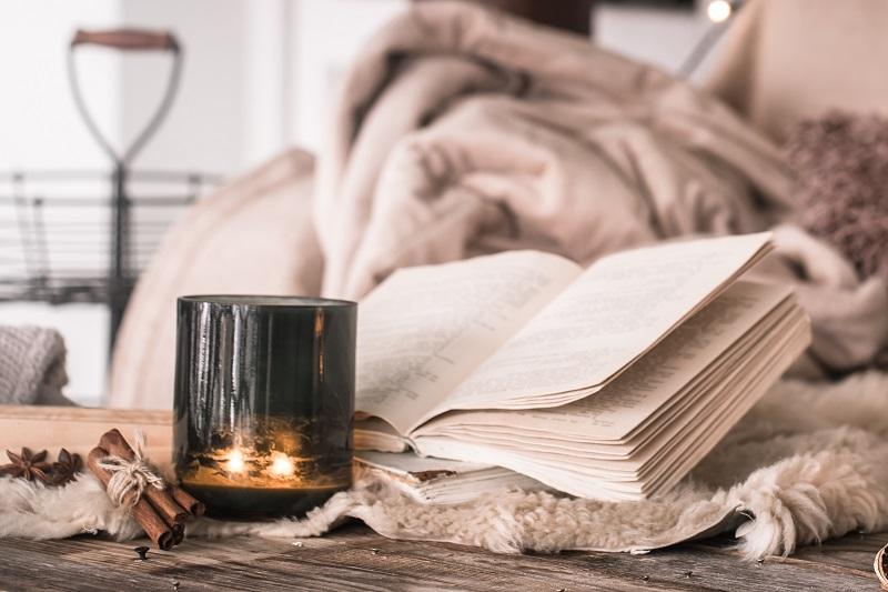 Co czytać jesienią? Kryminały, powieści obyczajowe, książki o rozwoju osobistym?