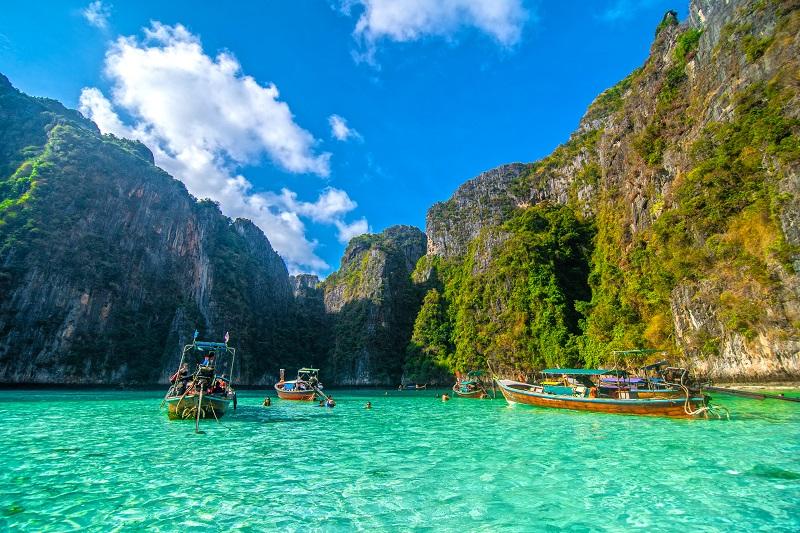 Jak szukać tanich wakacji za granicą?