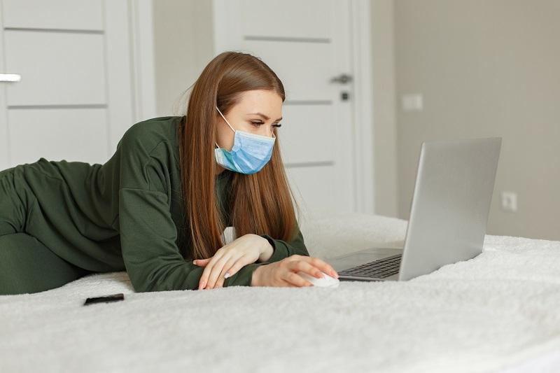 Koronawirus a uzależnienie od internetu- czy ta sytuacja grozi zarówno dzieciom, jak i młodzieży?