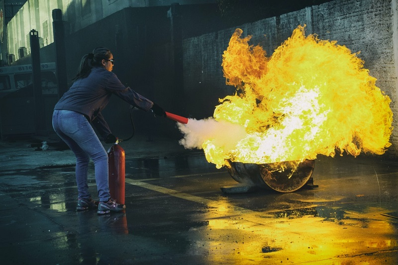 Usługi przeciwpożarowe dla właścicieli budynków, czyli zapobieganie zagrożeniom pożarowym